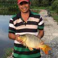 Chú ấy bỏ lại cho hồ 200k hồ bỏ thêm 500k. Heo ngày mai 700k nha ae. Cá 2kg đập